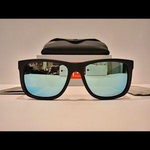 Ray-Ban RB4165 Justin Matte Black Blue Polarized